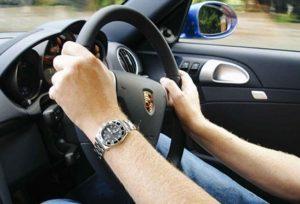 Úc tước quốc tịch sử dụng giấy phép lái xe giả